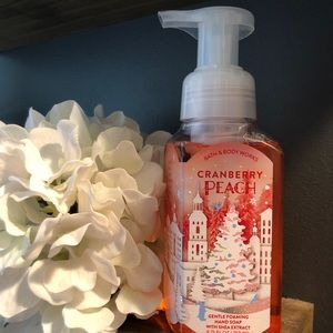 Bath & Body Works Cranberry Peach Hand Soap
